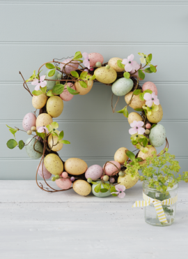 gallery-1490821449-egg-and-flower-easter-wreath