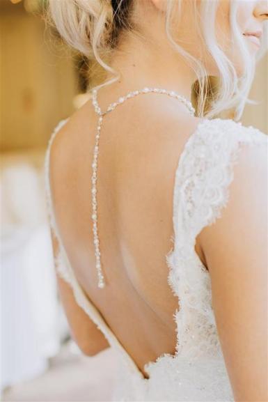 Ciara_backdrop_necklace_3_720x720